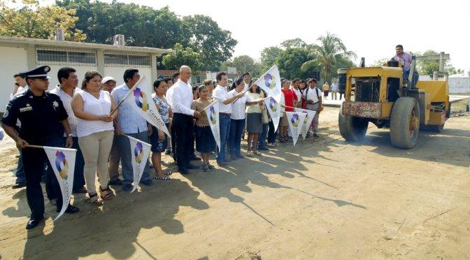 En su visita 28 a la zona de Tamulté de las Sabanas, lleva Gaudiano cancha al Cobatab