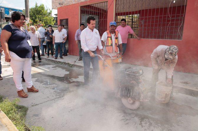 Regresa Gaudiano al Espejo II y da banderazo para reconstruir drenaje