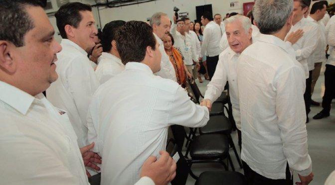 Acude Gerardo Gaudiano a 5 Informe de Gobierno de Arturo Núñez