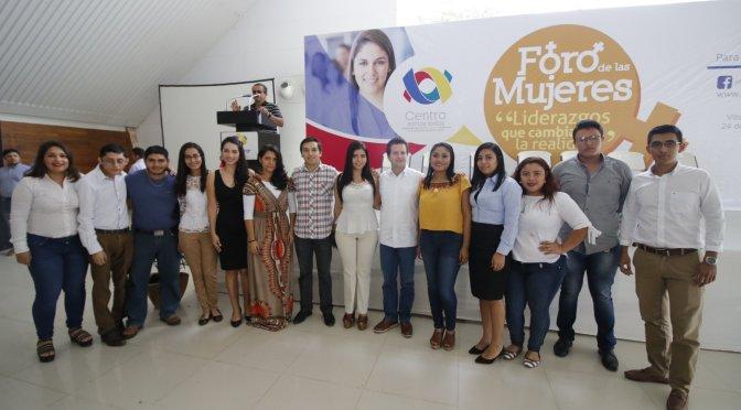 """Entusiasta participación de jóvenes en Foro de las Mujeres """"Liderazgos que cambian la realidad"""""""