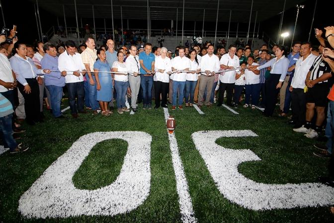 Entrega Gaudiano la Unidad Deportiva más grande del sureste