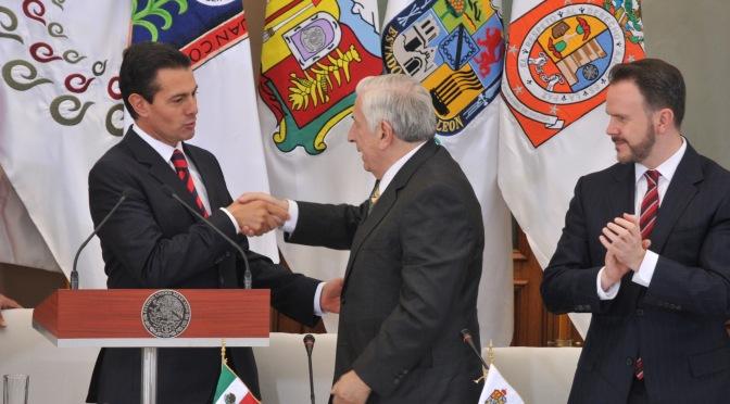 Agenda con 7 temas prioritarios,  delinea Núñez al asumir Conago