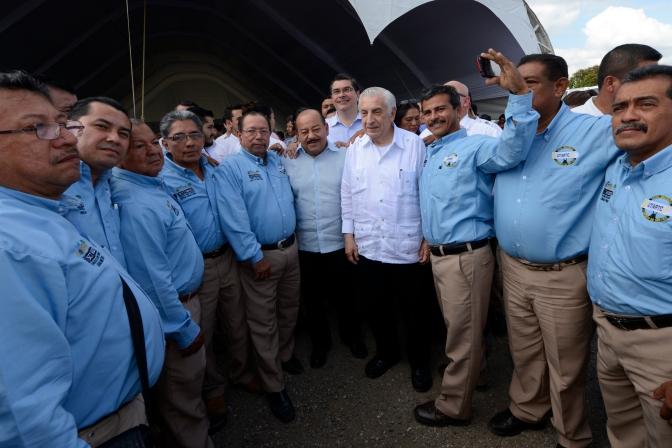 Concesiones de taxis no serán para 'cuates': Núñez