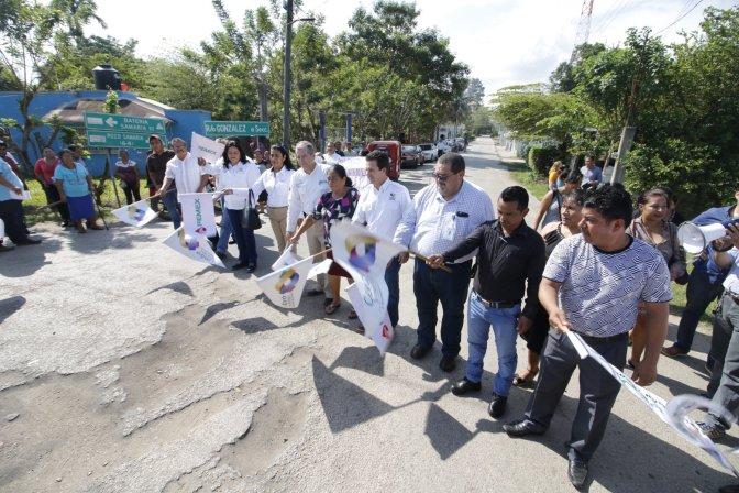 Con trabajo coordinado, lleva Centro rehabilitación de caminos a González 2ª