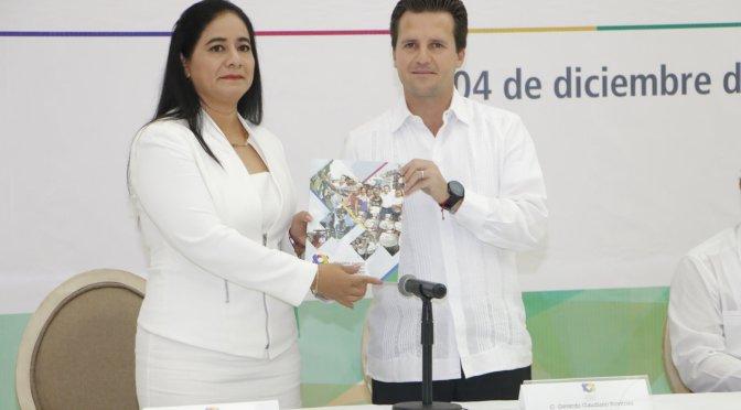 Entrega Gerardo Gaudiano Segundo Informe de Resultados al Cabildo de Centro