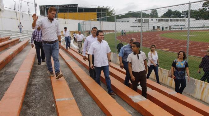 Se cerciora Gaudiano de calidad en rehabilitación que realiza Centro en Estadio Olímpico