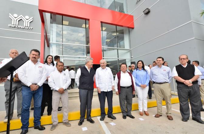 Núñez y Penchyna inauguran oficinas del Infonavit