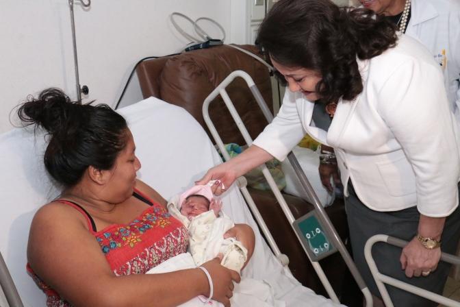 Nacen 14 bebés en año nuevo en hospitales públicos de Tabasco