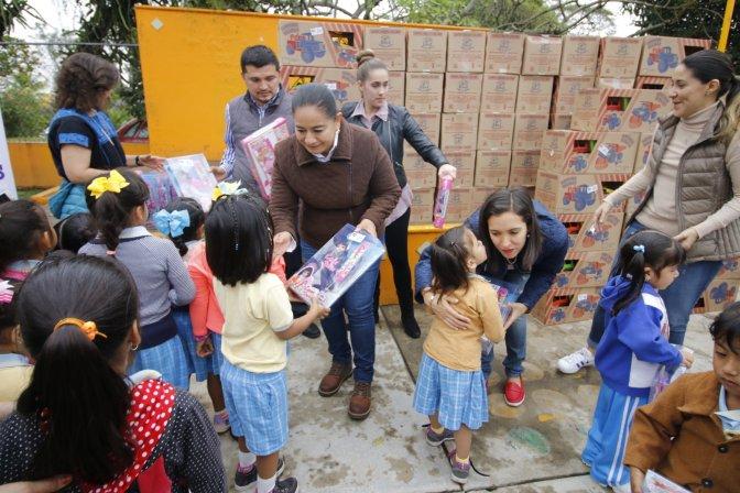 Como un gobierno sensible, cumple Centro su labor social en las comunidades: Casilda Ruiz