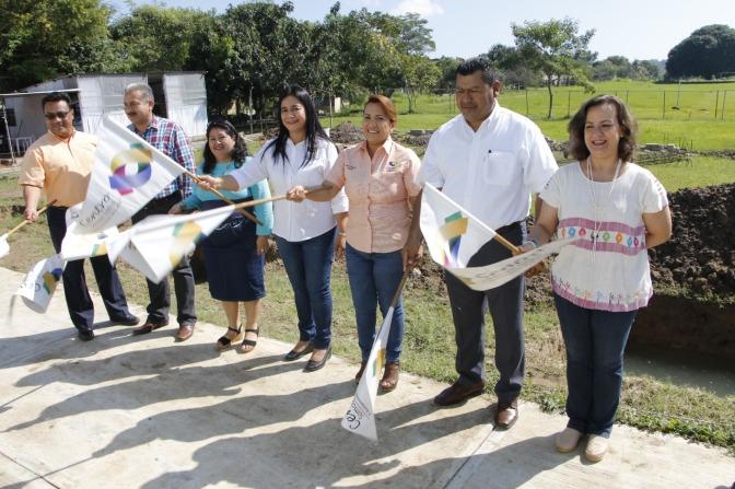 Alumnos del CECYTE 14, en Dos Montes, disfrutarán de cancha techada gracias a inversión de Centro