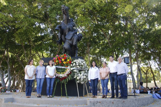 Presenta Centro ofrenda en conmemoración al 154 Aniversario de la Gesta Heroica del 27 de Febrero