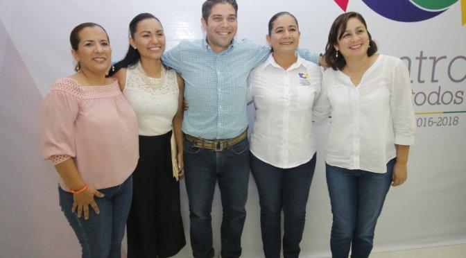Aprueba Cabildo de Centro licencia a cuatro regidores