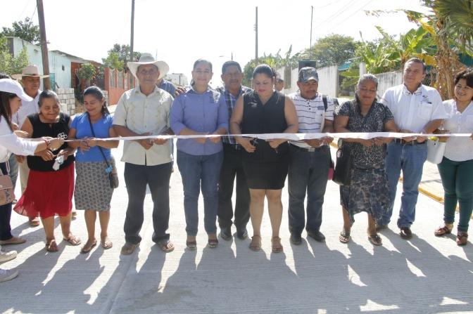 Sigue Casilda Ruiz inaugurando obras de beneficio en Tamulté de las Sabanas