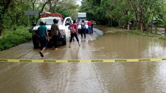 Activa Protección Civil protocolos de prevención por vados en carretera Vhsa-Teapa