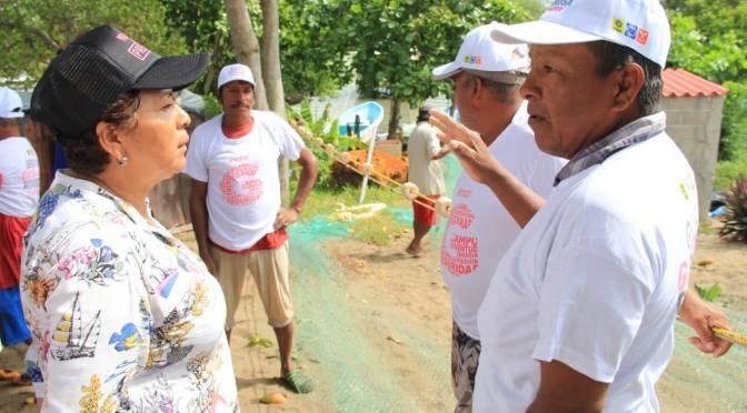 Familias de Sección Tanque y Banco con Anita Castellanos para que sea la alcaldesa de Paraíso