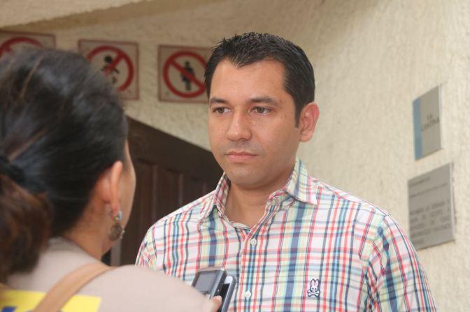 La comparsa se va junta: Miguel Vélez