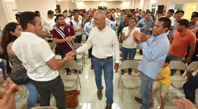 Jóvenes tendrán empleo y educación en Centro: Mier y Terán