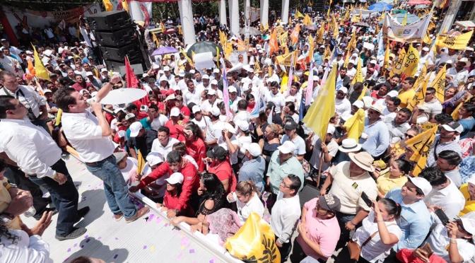 En la tierra de Andrés Manuel, declaran macuspanenses Gobernador a Gerardo Gaudiano