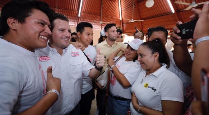 Mi gobierno tendrá a muchos jóvenes en puestos claves: Gaudiano Rovirosa