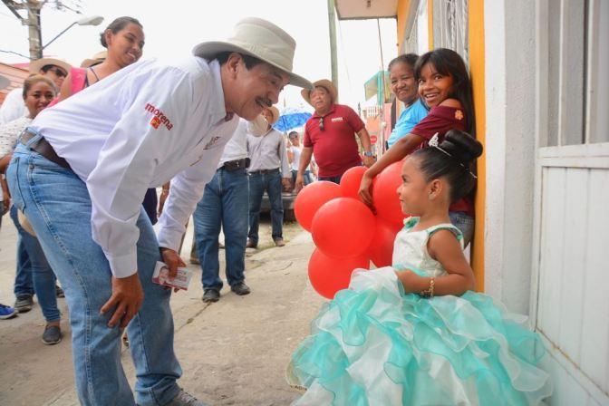 Doble inversión para mejorar calidad de educación en Centro: Evaristo Hernández