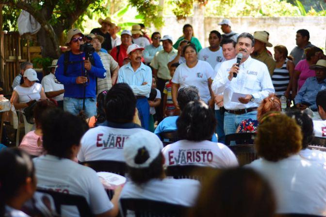 Reciben a Evaristo familias de la ranchería Medellín y Pigua 3ra