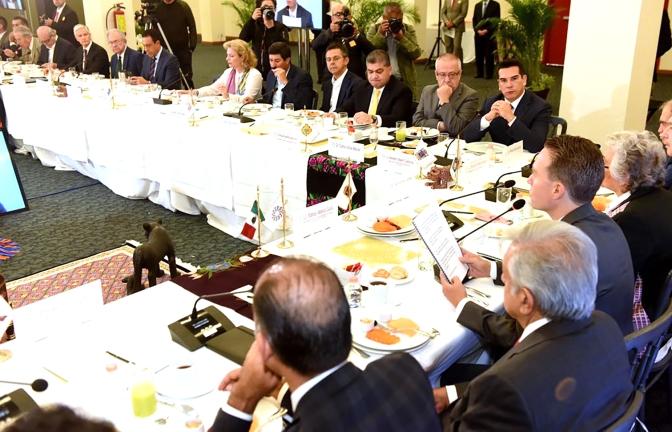 Participa gobernador de Campeche en reunión de Conago con el Presidente Electo