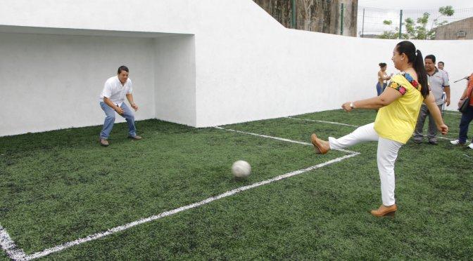 Cumple gobierno de Casilda Ruiz con nuevos espacios deportivos en Las Rosas