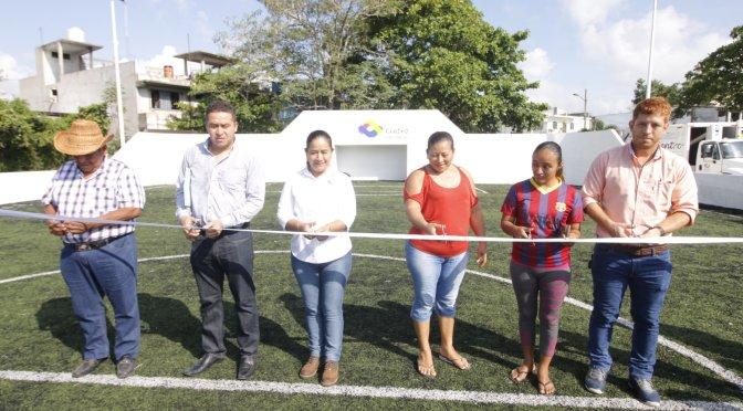 Ya cuentan con cancha de futbol rápido niños y jóvenes de la Villa Luis Gil Pérez