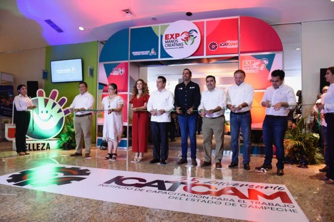 """El Gobernador de Campeche y su esposa inauguran Expo """"Manos Creativas 2018"""""""