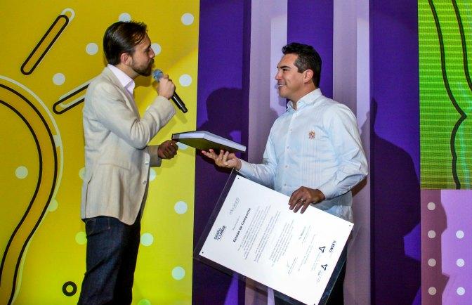A México le irá muy bien si se trabaja en equipo, asegura el gobernador de Campeche