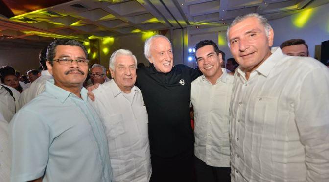 Asiste Núñez a ceremonia de aniversario de Telereportaje