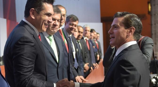 Acompaña el gobernador de Campeche al Presidente Enrique Peña Nieto en su mensaje del VI Informe