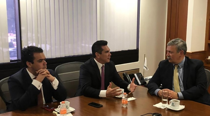Gestiona gobernador de Campeche ante Bancomext financiamientos para empresas locales