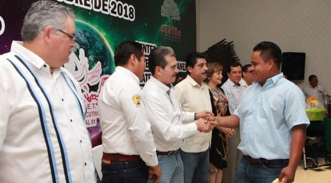 Entrega Evaristo Hernández apoyo social a 1,319 trabajadores del SUTSET