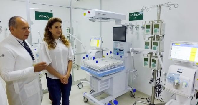 La presidenta del DIF de Campeche pone en servicio equipamiento médico y áreas hospitalarias del IMSS