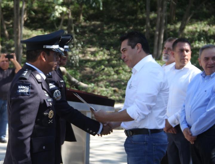 clausura de curso de especializacion para policia de reaccion enviar (30)