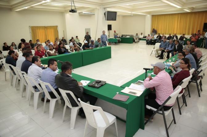 Reafirma Evaristo Hernández cumplir a zona rural con 25 mil luminarias nuevas