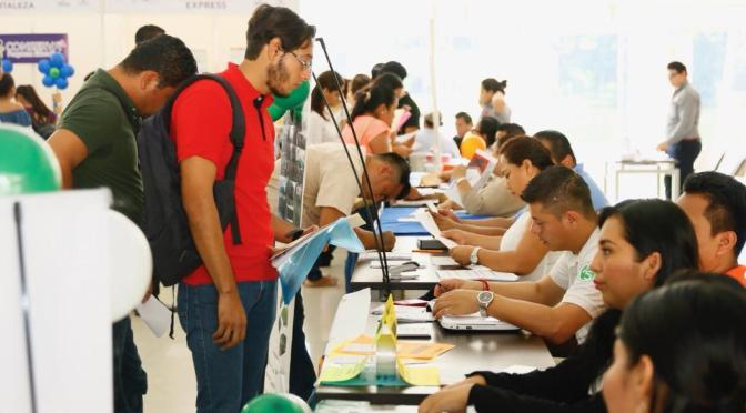 Organiza Centro 1ª Feria de Empleo  y oferta 400 plazas disponibles