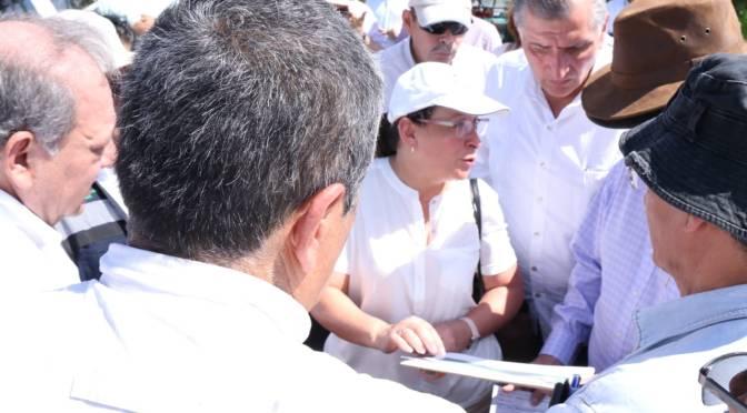 Adán Augusto y Rocío Nahle, recorren área donde se construirá refinería