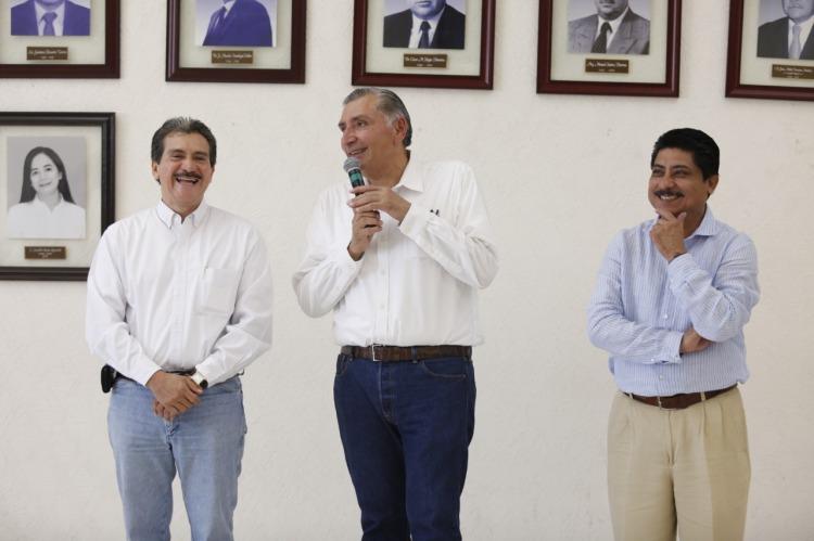 Visita de AALH en Palacio Municipal. 011118 (4)