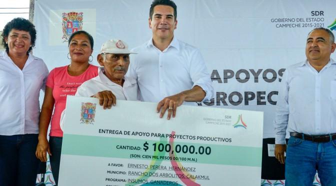 Ante recortes federales, el  gobernador Alejandro Moreno Cárdenas anuncia fortalecimiento de inversión  al campo de Campeche