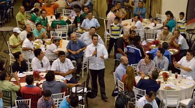 Garantiza el gobernador Alejandro Moreno Cárdenas total apertura al trabajo periodístico