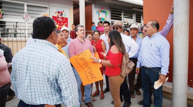 Aplauden chontales compromisos en marcha de Evaristo Hernández
