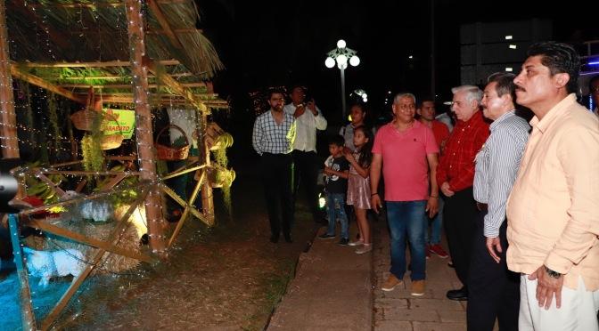 Enciende luces navideñas el alcalde Evaristo Hernández en Centro