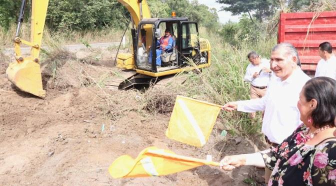 Supervisa el Ejecutivo desmonte y limpieza de vía corta Cunduacán-Comalcalco