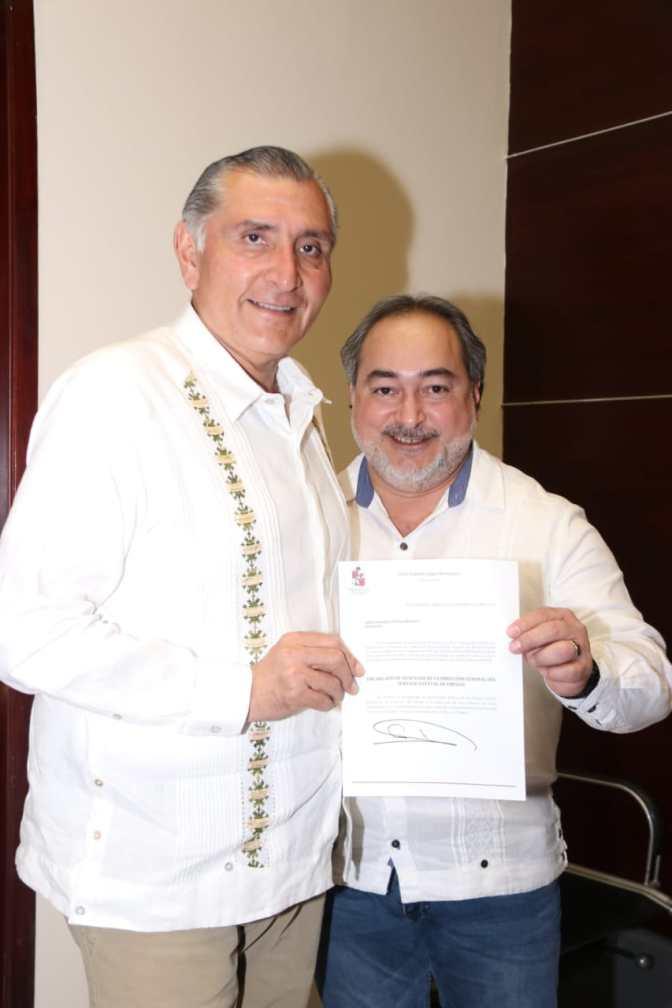 Designa el Ejecutivo al doctor   Ariel Cetina como titular del SEE