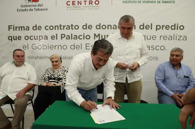 Dona Gobierno de Tabasco predio que alberga edificio de Centro