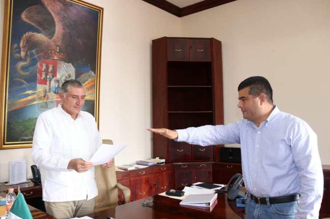 Toma el gobernador de Tabasco protesta a nuevo Secretario de la Función Pública