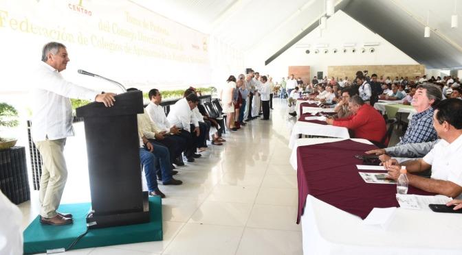 Trabajar en unidad para rescatar al campo tabasqueño: Suárez Vela