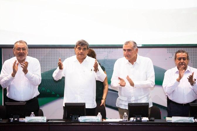 Reconoce Adán Augusto impulso nacional e internacional de UJAT